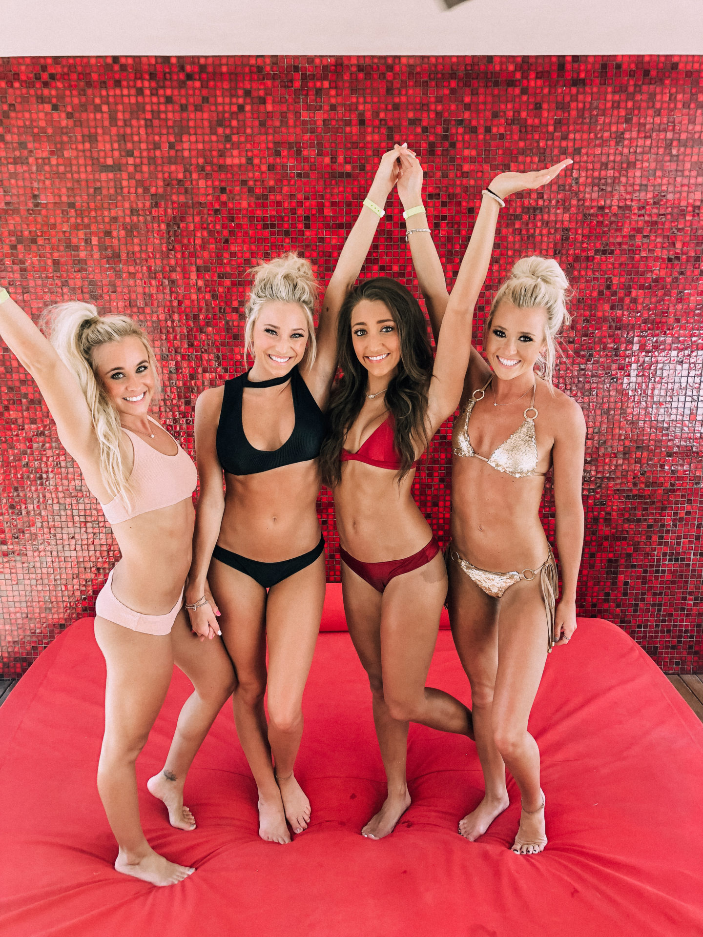 Las Vegas Swimsuit Models - Dallas Fashion Model, Fashion & Lifestyle Blogger - Peyton Mabry