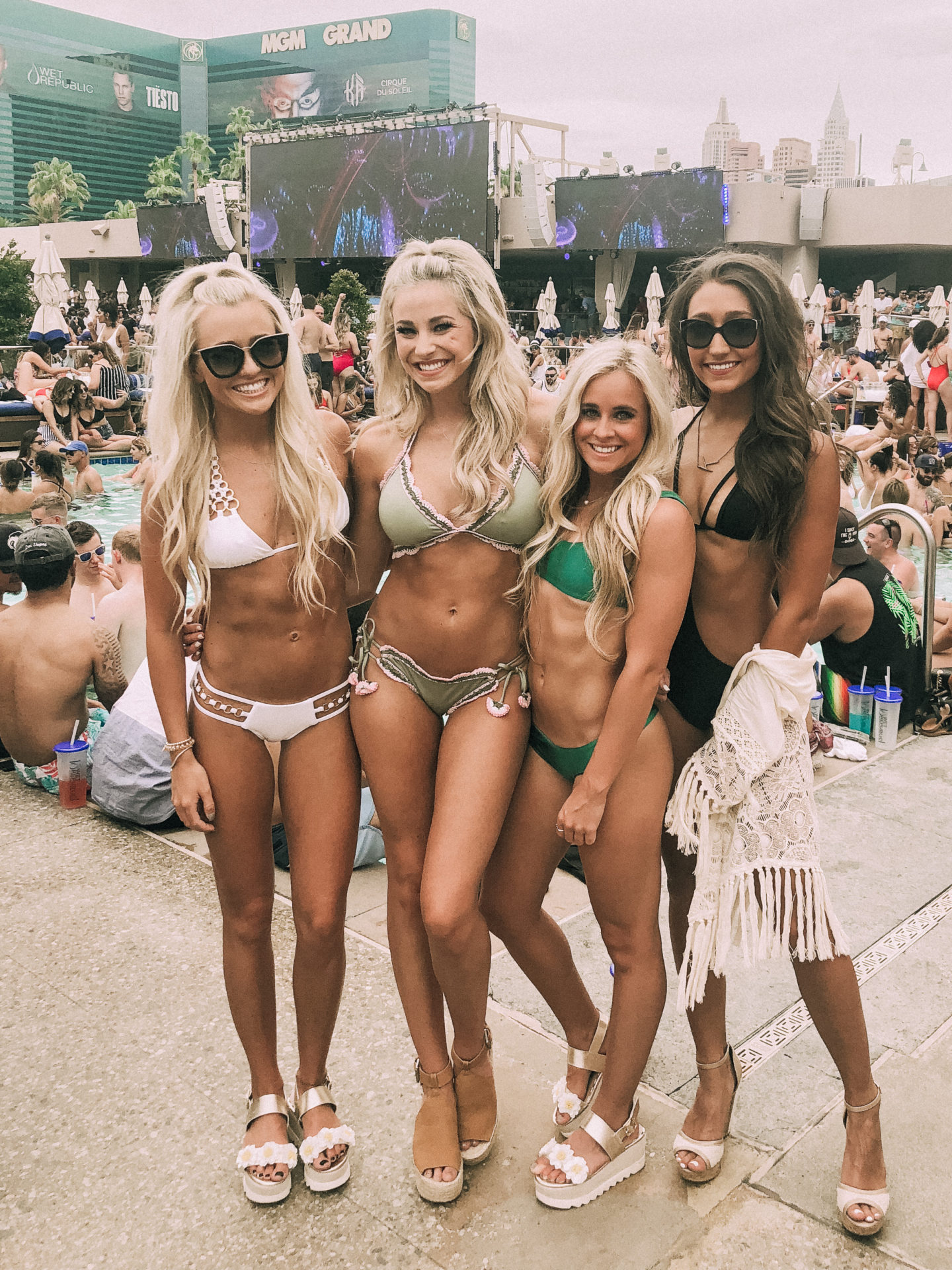 Swimsuit Models - Dallas Fashion Model, Fashion & Lifestyle Blogger - Peyton Mabry